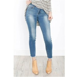 Articles of society Carly crop raw hem jeans